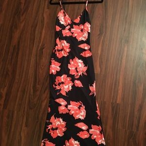 Long maxi dress with flowers stretchy material