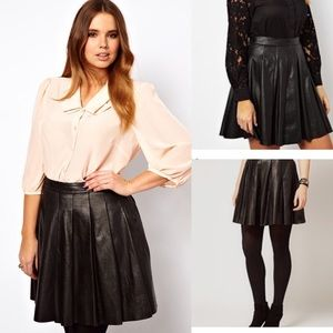 Pleated leather skirt! (Real leather)