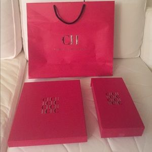 CAROLINA HERRERA GIFT BOXES AND BAG.