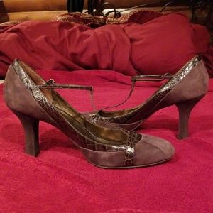 Ann Taylor Loft leather heals