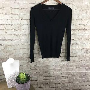 Zara black pullover v neck sweater