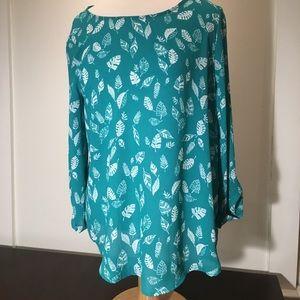 Green Sheer 3/4 Sleeve Blouse--NWT