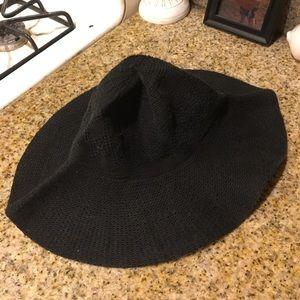 Women's black knit floppy beach hat
