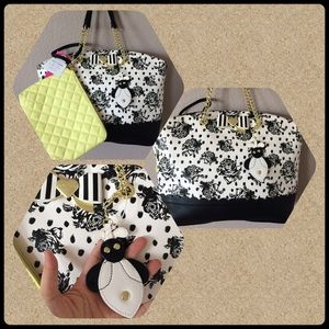 Betsey Johnson black and white floral honey bee
