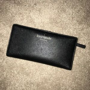 Black Kate Spade Stacy wallet, GUC!