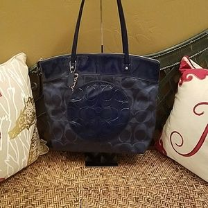 Coach F19440 Signature Laura Nylon tote
