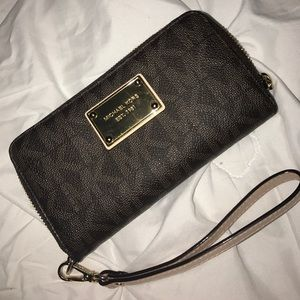 like new Authentic MK wallet.