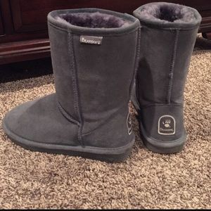 Bearpaw gray boots