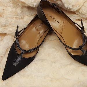 Tahari pointy toe black pumps