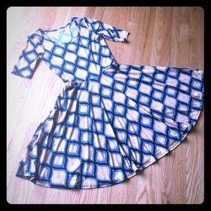 LuLaRoe Nicole Dress Fall colors 👗🌻🍂