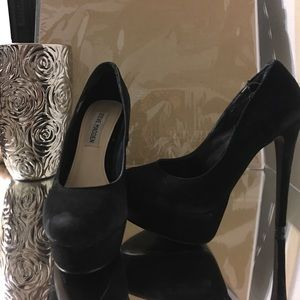 New Suede Demandd STEVE MADDEN pumps heels 6 inch