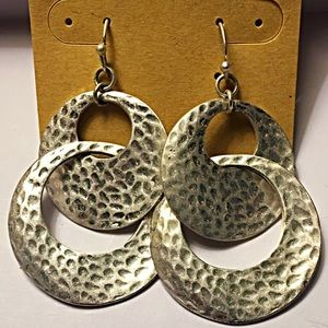 Jewelry - Silver dangle hammered earrings