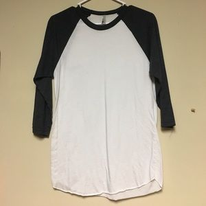 White and dark grey 3/4 sleeve top