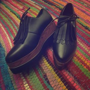 Wedge oxfords size 5