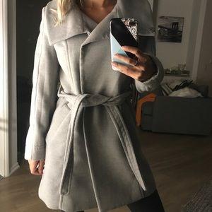 Beautiful gray pea coat