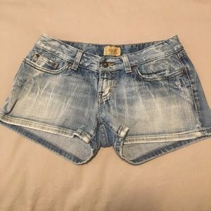 BKE Buckle women's light colored shorts size 27
