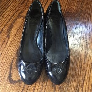 Tory Burch Patent Leather Shoes size 7
