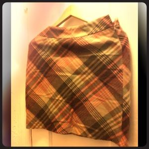 Beautiful plaid Loft skirt. Made In India
