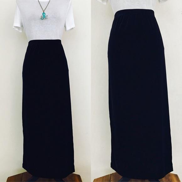 46b1801e9afa5 Vintage 80s Black Velvet Plus Size Maxi Skirt