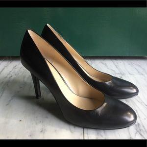 Nine West classic black leather heels pumps work