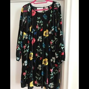 🆕 Old Navy floral dress with shoulder cut outs