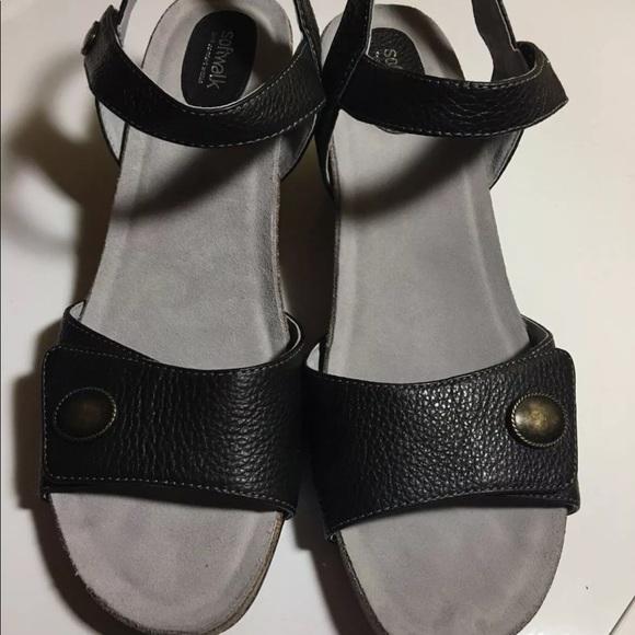f2797a89376ba Soft walk Jordan wedge women's sandals size 9.5 N NWT
