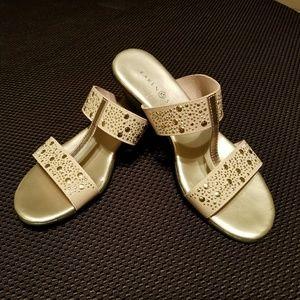 Karen Scott Gold Sandals