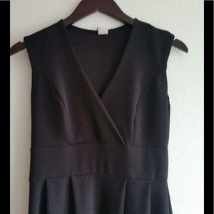 Nema Black A-line V neck Stretch Swing Dress Sz L