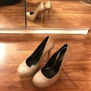 Aldo 6.5 sparkling shiny golden high heel