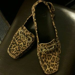 Authentic Stuart  Weitzman loafers 7.5