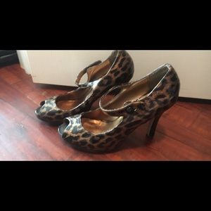 Shoes - Size 6 Steve Madden Cheetah Heels