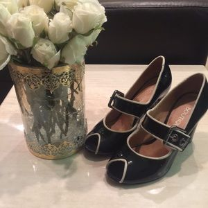 Boutique 9 patent leather size 6 heels