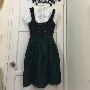 Bavarian women's midi dirndl dress (3 pieces)