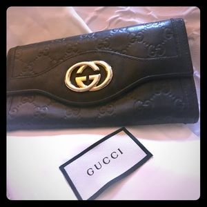 100% Authentic Gucci Wallet!!