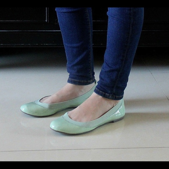 Banana Republic Shoes - Banana Republic Mint Green Ballet Flats size 7