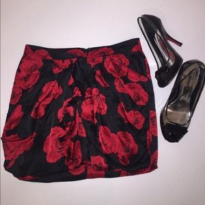 Bebe Black & Red Rose🌹Skirt
