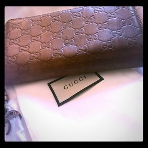 Gucci leather Wallet! 100% Authentic