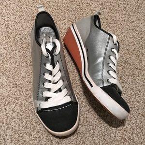 Steve Madden Fun Wedge Sneakers Sz 9.5