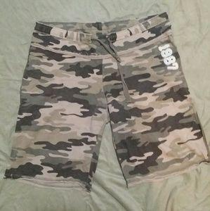 Size M Drawstring Camo Sweat shorts