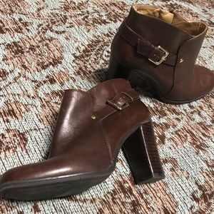 Nine West brown leather ankle boots with buckle