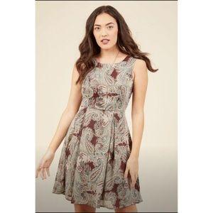 Maroon paisley dress XL