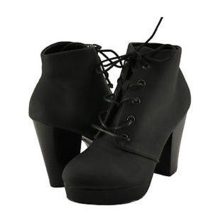 Bamboo Huxley Lace Up Bootie