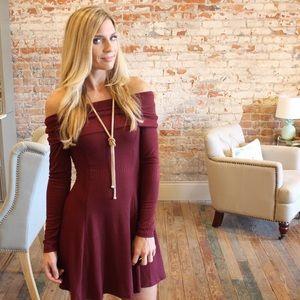 Dresses & Skirts - ✨LAST ONE✨Burgundy off shoulder  ribbed dress