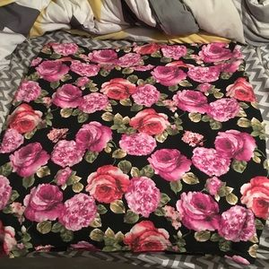 Forever 21 Floral Bodycon Skirt 3x. EUC