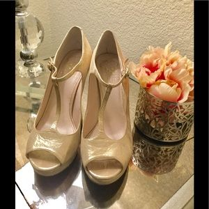 Vince Camuto Rhyson Peep Toe heels shimmery pink