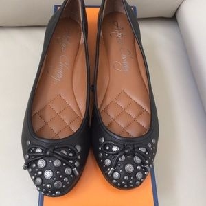 Arturo Chiang studded leather flats