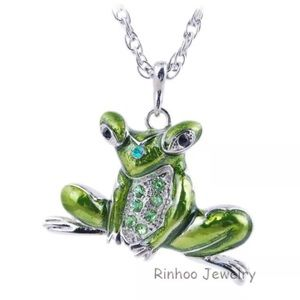 New cute frog 🐸 necklace