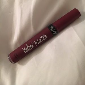 VS velvet matte lip color