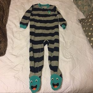Bundle of Carter's 3T fleece pajamas