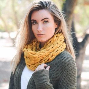 Accessories - Jasmine Yarn Braided Snood